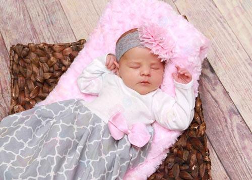 لیست وسایل سیسمونی نوزاد دختر